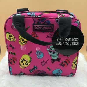 Betsey Johnson Insulated Lunch Tote Fuschia Skulls